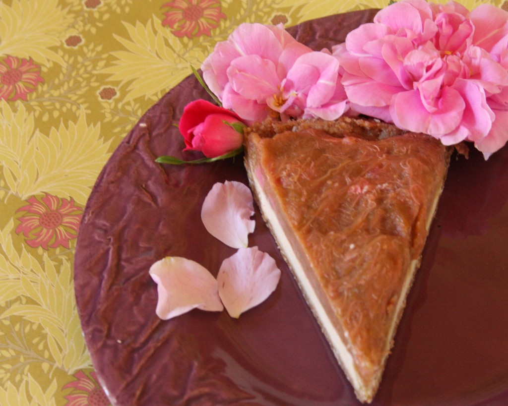 Gluten-Free Chocolate Almond Strawberry Cheesecake Tart ...