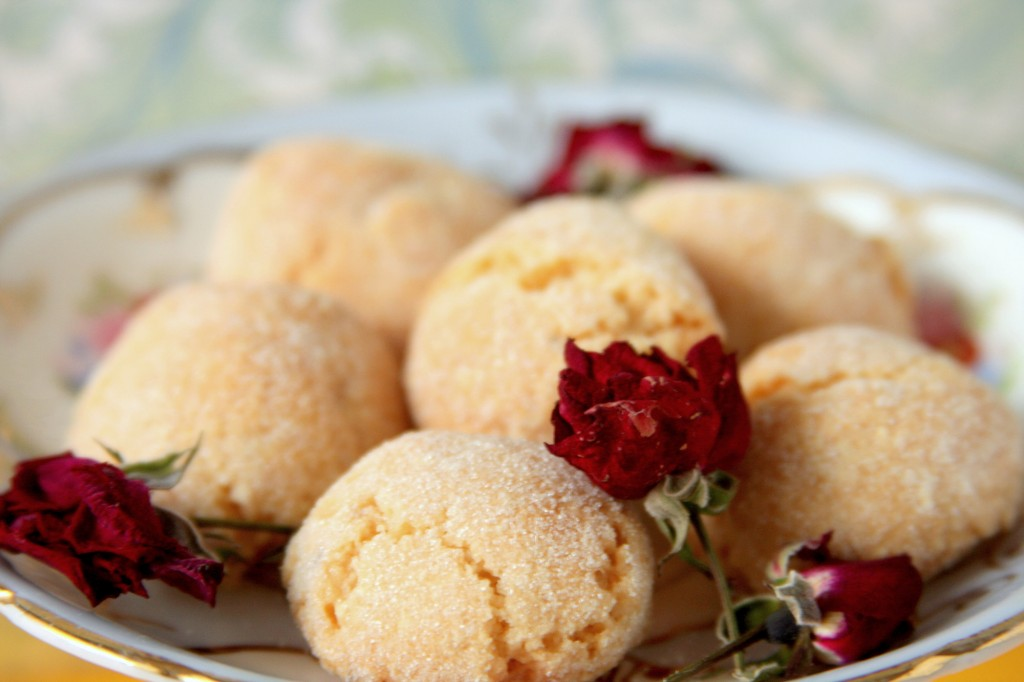 Dolci Amaretti Cookies