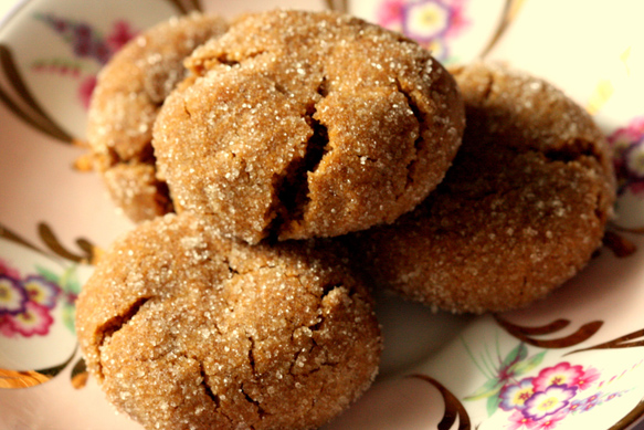 Vegan gingersnap cookies recipe