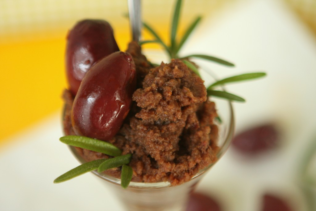 Fig Olive Walnut Tapenade - MyRealFoodLife.com